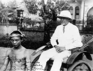 Burton Holmes Visits The Philippine, 1929